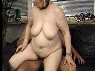 Can Somebody Please Remove The spiders From Her Old Pussy?